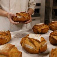 zzp bakker bakt vers brood