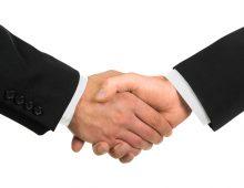 hand schudden voor samenwerking